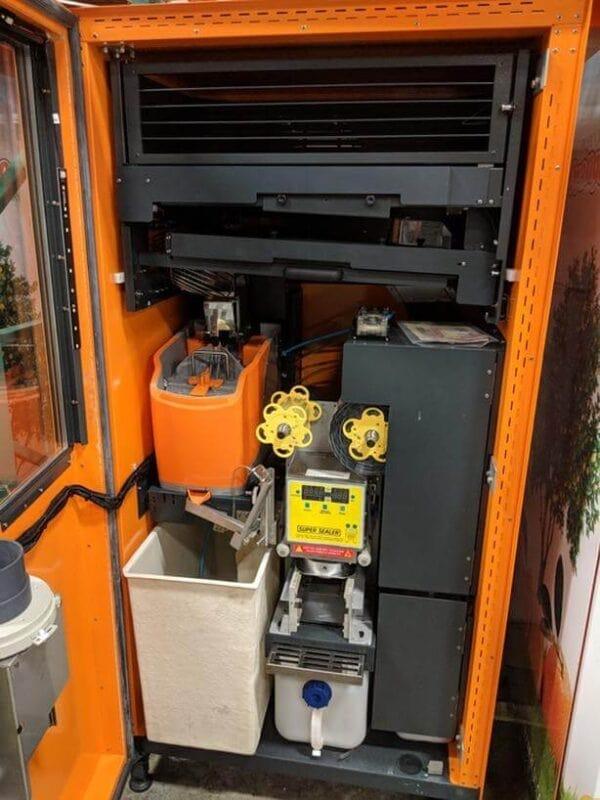 Tại sao nên mua máy bán nước tự động tại TSE?